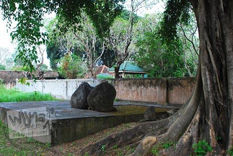petilasan raja keraton kartasura di tahun 2009 yang terkenal mistis