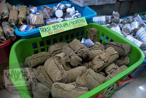 terasi sepuluh goreng khas madura dijual di toko nusa indah