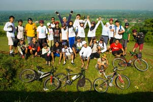 30 Pesepeda Ke Candi Abang!