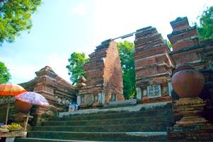 Thumbnail artikel blog berjudul Bukan Ziarah ke Makam Raja-Raja Imogiri