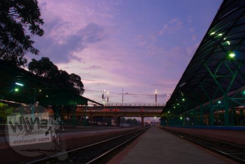 Senja di Stasiun Gubeng Surabaya tahun 2008