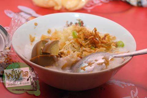 Warung Bubur Ayam Bu Dewi Enak dan Murah di Galabo Solo pada Juni 2009