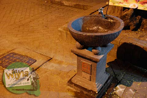 Cuci tangan sebelum makan di Galabo Solo pada Juni 2009