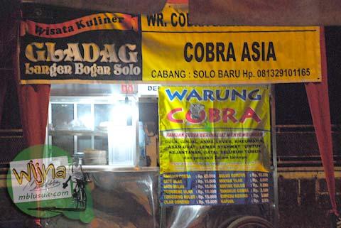 Warung sate ular Cobra di Galabo Solo pada Juni 2009