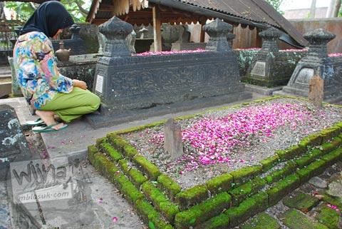 berziarah di makam keraton kartasura di tahun 2009