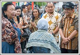 Walikota Yogyakarta Herry Zudianto di Hari batik Yogyakarta tahun 2009