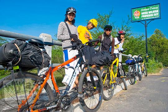 Rute bersepeda dari Jogja ke Dieng lewat Bendungan Karang Talun pada tahun 2010