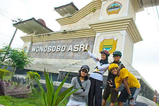 Rute bersepeda dari Yogyakarta ke Dieng dan singgah di Kota Wonosobo pada tahun 2010