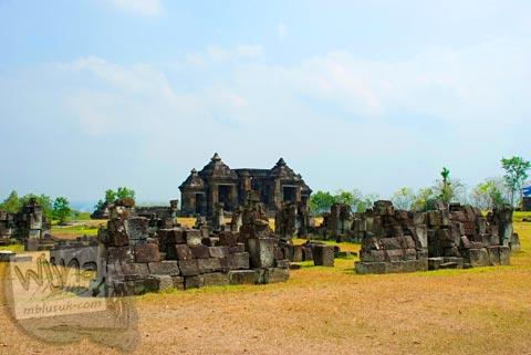 Foto Reruntuhan Keraton Ratu Boko, Prambanan pada Oktober 2008