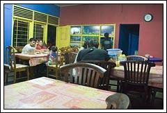 Suasana Rumah Makan Bungong Jeumpa Yogyakarta pada tahun 2008