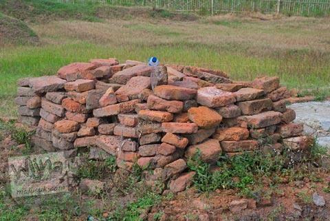 Sifat buruk arkeolog di situs Batujaya, Karawang, Jawa Barat pada tahun 2009