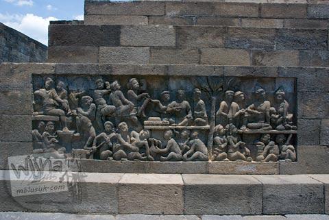 Foto relief orang seks di Candi Borobudur, Magelang, Jawa Tengah pada tahun 2009