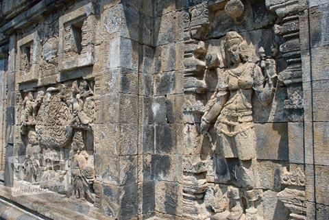 Relief dewi Buddha di Candi Pawon di Magelang tahun 2009