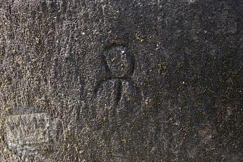 Simbol unik yang ada di Candi Gunungsari, Salam, Magelang pada tahun 2009