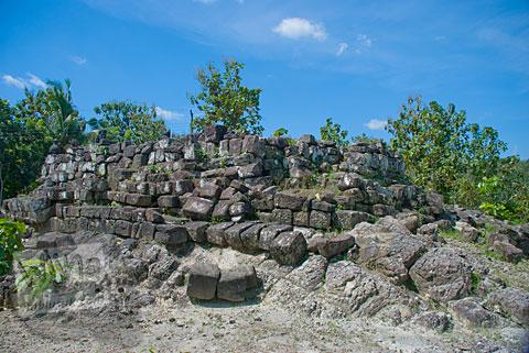 Pondasi Struktur Candi Risan, Gunungkidul pada tahun 2009