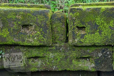 Foto Sambungan Batu Candi di Candi Mantup, Banguntapan, Bantul pada Februari 2009