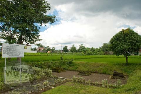 Foto Penampakan Pemandangan Situs di Candi Mantup, Banguntapan, Bantul pada Februari 2009