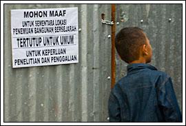 larangan masuk proyek pemugaran candi hindu di universitas islam indonesia, yogyakarta