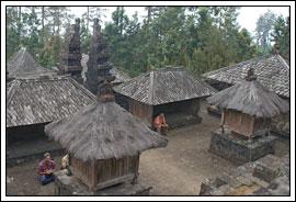 Foto Pedesaan Hindu di Sekitar Candi Cetho