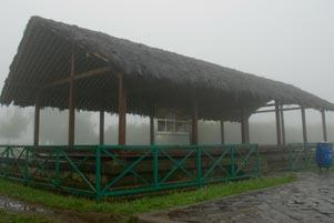 Numpang Berteduh di Dharmashala