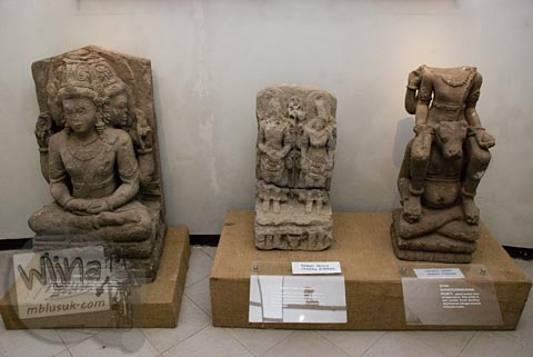 Foto koleksi arca siwa di Museum Dieng Kailasa, Banjarnegara tahun 2008
