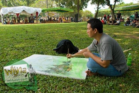 Foto Pelukis di sekitar Candi Prambanan pada Happening Art 2009