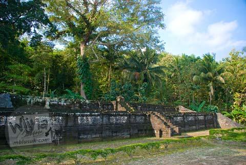 Foto tampak muka Candi Gembirowati, Purwosari, Gunungkidul tahun 2009