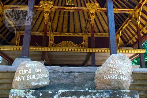 Foto Larangan naik di Candi Gunung Kawi, Gianyar, Bali tahun 2009