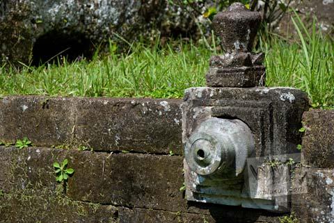 Foto pancuran air purba di Candi Gunung Kawi, Gianyar, Bali tahun 2009