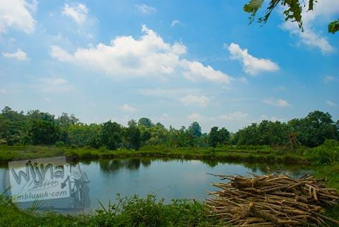 Foto Kolam Pemancingan di seberang Candi Kadisoka, Purwomartani, Kalasan, Sleman, Yogyakarta di tahun 2009