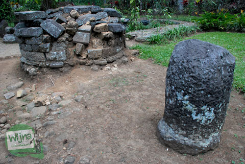 Benda-benda purbakala lain yang ada di sekitar Candi Sumberawan di Toyomarto, Singosari, Malang, Jawa Timur