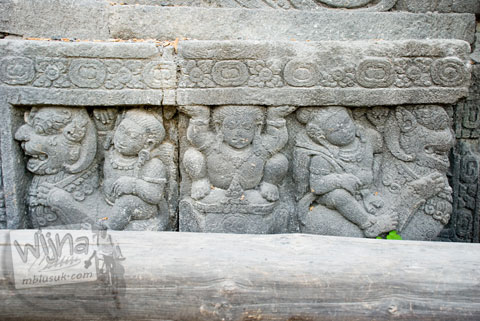 Foto Panel relief lain yang menghiasi badan Candi Sojiwan, Kebondalem Kidul, Prambanan, Klaten, Jawa Tengah pada tahun 2008