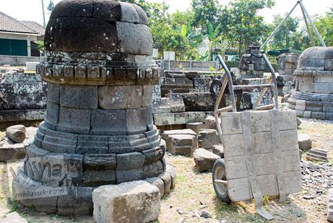 Foto stupa yang ada di Candi Sojiwan, Kebondalem Kidul, Prambanan, Klaten, Jawa Tengah zaman dulu di tahun 2008