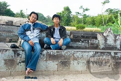 Foto Tim pemburu candi mampir di Candi Karangnongko, Karangnongko, Klaten, Jawa Tengah jaman dulu di tahun 2008