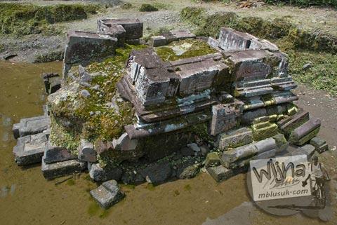 Foto satu-satunya candi perwara yang tersisa di Candi Morangan, Sindumartani, Ngemplak, Yogyakarta di tahun 2009