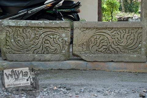 Foto relief sulur tanaman di Candi Morangan, Sindumartani, Ngemplak, Yogyakarta di tahun 2009