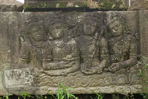 Foto relief dewa Buddha di Candi Ngawen, Magelang, Jawa Tengah tahun 2008