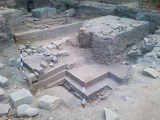 suasana kompleks Candi Palgading di Kelurahan Sinduharjo, Ngaglik, Sleman saat pertama kali ditemukan oleh warga