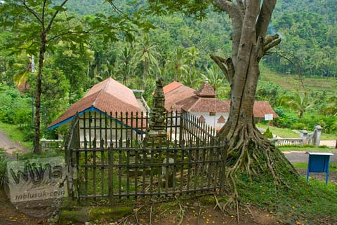 Foto Lokasi Candi Pringtali di Samigaluh, Kulon Progo pada Desember 2009