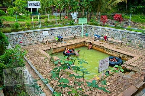 Situs Petirtaan Derekan dengan sumber Mata air Panas Candi Ngempon di Ungaran, Jawa Tengah pada tahun 2010