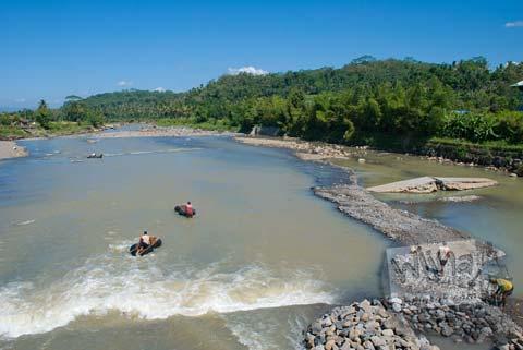 Foto sungai payaman di Candi Selogriyo, Magelang, Jawa Tengah pada tahun 2009
