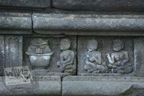 Foto relief pria di Situs Sendang Pitu, Cepogo, Boyolali, Jawa Tengah pada Oktober 2009
