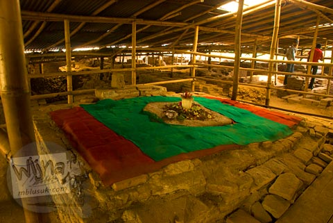 Asal-usul sejarah sumur upas yang mistis dan angker di Situs Candi Kedaton di Trowulan, Mojokerto di tahun 2009