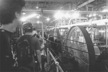 cara kerja mesin-mesin di pabrik gula Gondang baru yang menggunakan tenaga uap