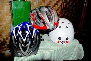 Helm Sepeda di Kepala