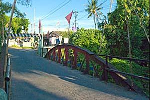Ratapan Jembatan Merah