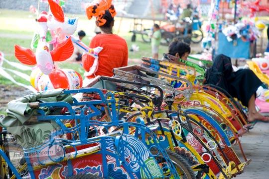 Becak kecil untuk Anak di Alun-Alun kota Magelang di bulan Juni 2008
