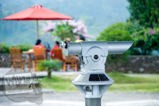 tarif sewa Teropong Gunung di Ketep Pass, Magelang di bulan Juni 2008