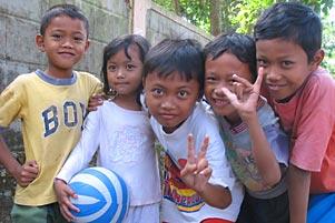 Thumbnail untuk artikel blog berjudul  Cerita KKN: Bersosialisasi dengan Anak-Anak