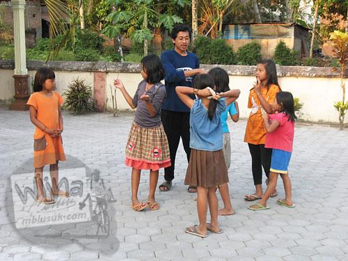Cerita mahasiswa KKN bergaul dengan anak-anak desa
